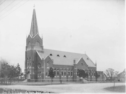 Saints_Cyril_Methodius_Catholic_Church_1916-4